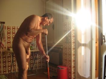 Nudismo, scelta totalizzante