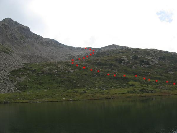 Discesa dal passo al lago (Foto E. Cinelli)