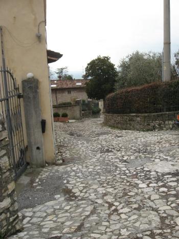 Medaglioni e via San Gaetanino