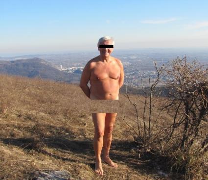 Escursionista censurato e anonimizzato